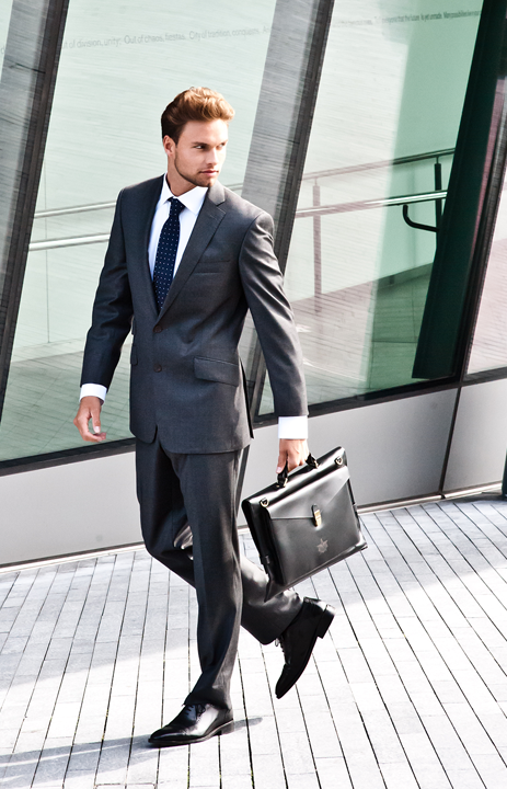 http://orhanlondontailoring.com/wp-content/gallery/default/home-suits-new.png